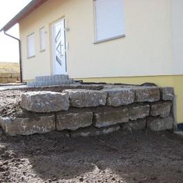 Mauerblöcke Schichthöhe circa 30-50cm